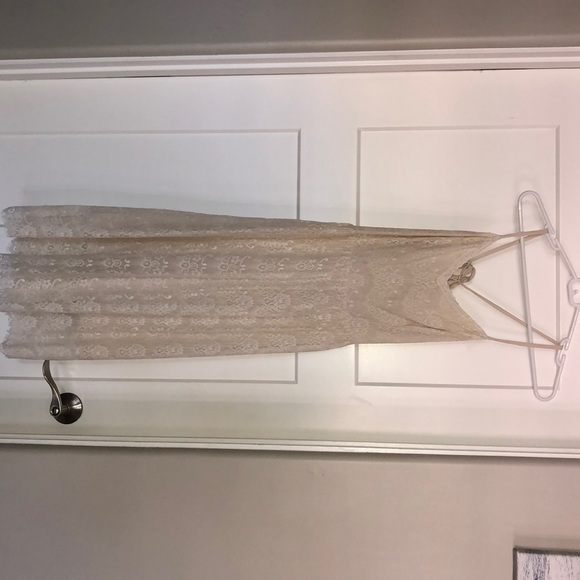 Abercrombie & Fitch Dresses & Skirts - Abercrombie and Fitch lace dress